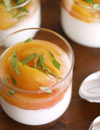 Prosecco-Poached Peaches