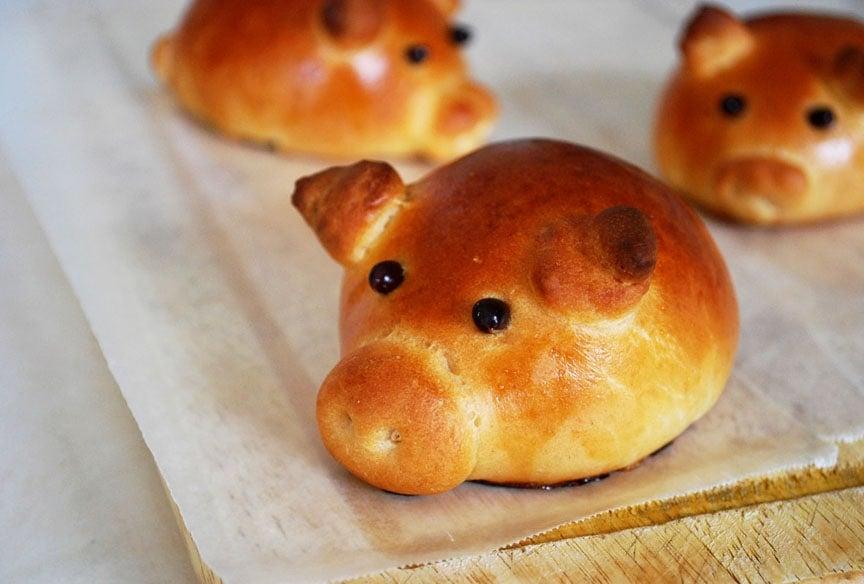 sausage stuffed piglet