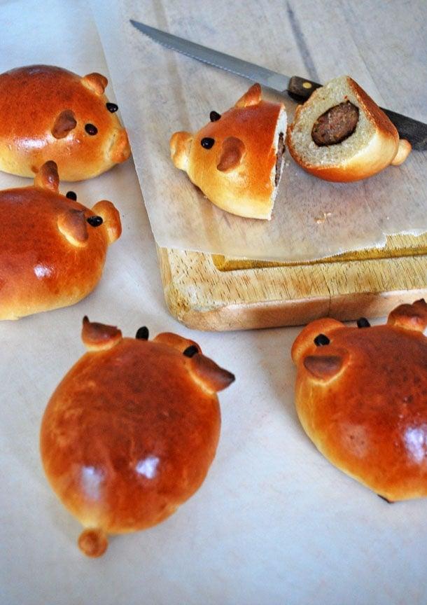 sausage stuffed piglet buns