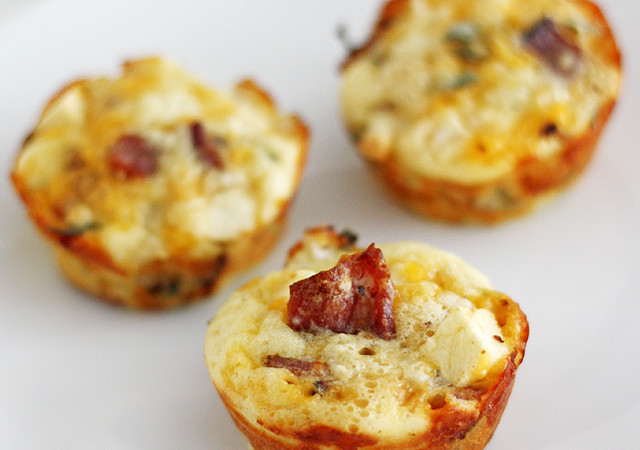 Mini Apple-Bacon Breakfast Pies