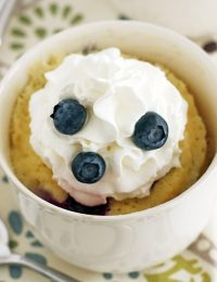 blueberry white chocolate mug cakes