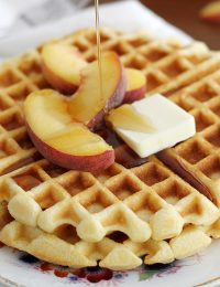 maple cornbread waffles