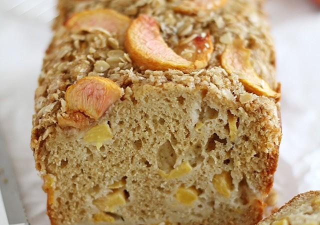 peaches and cream streusel bread