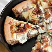 caramelized apple, bacon + blue cheese pan pizza
