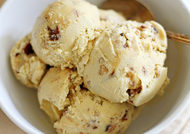 candied bacon maple walnut ice cream