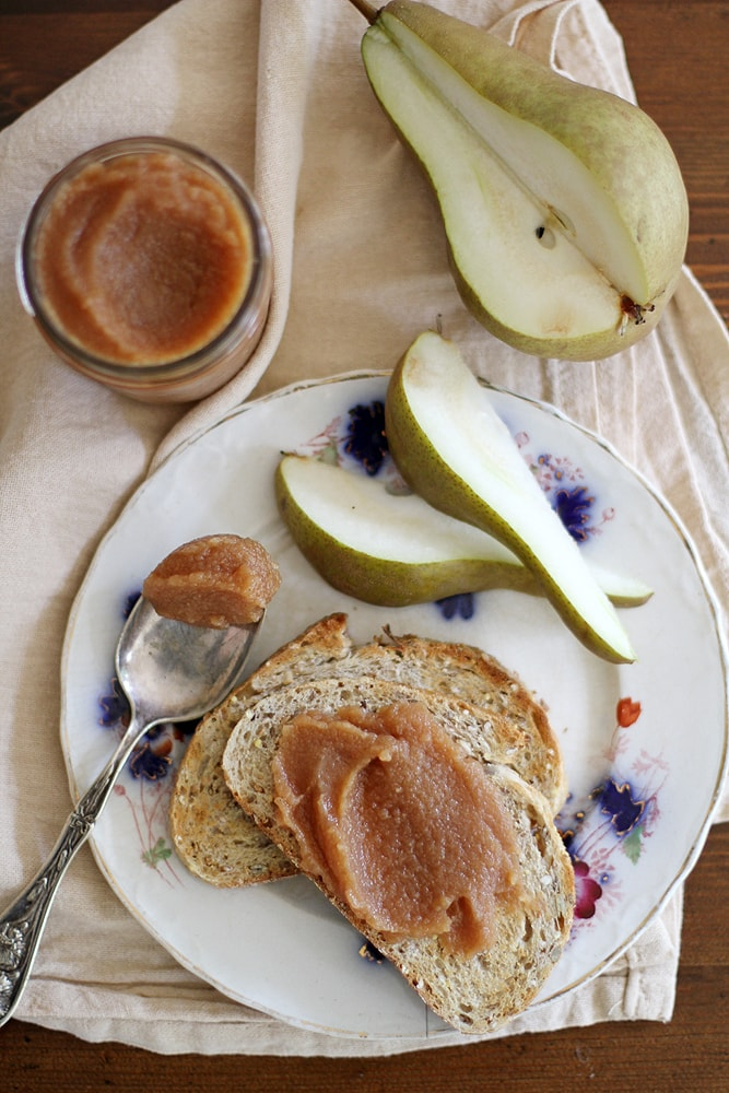 bread with pear quince butter