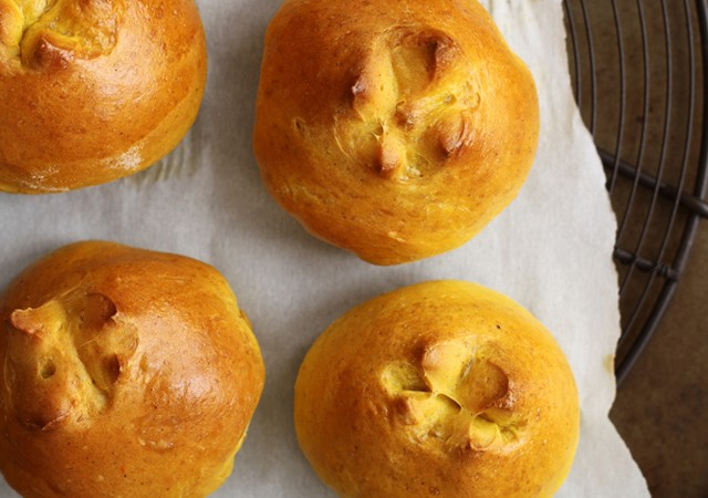 pumpkin pie rolls