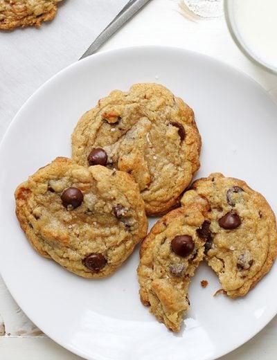 caramel coconut chocolate chip cookies with sea salt