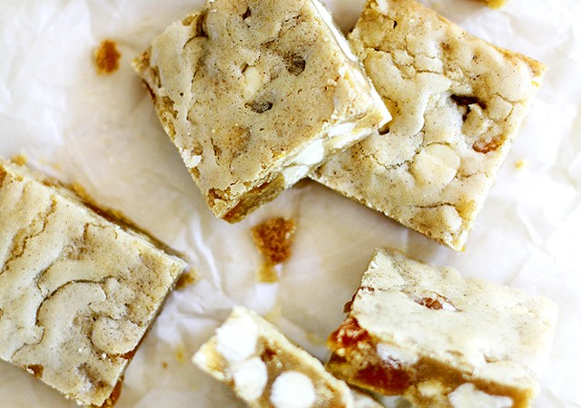 apricot white chocolate blondies