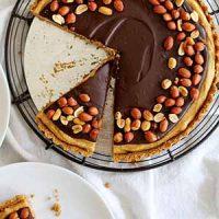 chocolate peanut butter pretzel tart