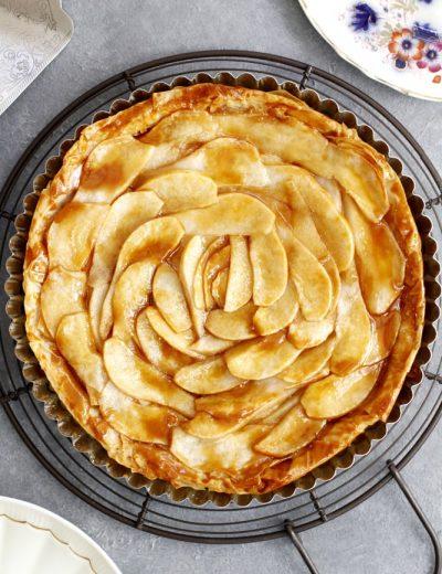 salted caramel pear tart