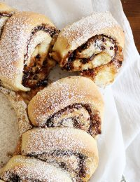 chocolate cinnamon roll wreath