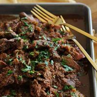 mocha rubbed slow cooker shredded beef