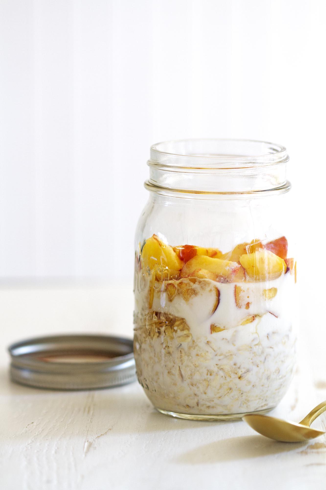 peaches and cream overnight oats
