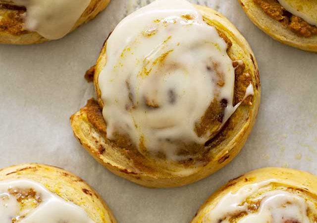 brown butter pumpkin cinnamon rolls