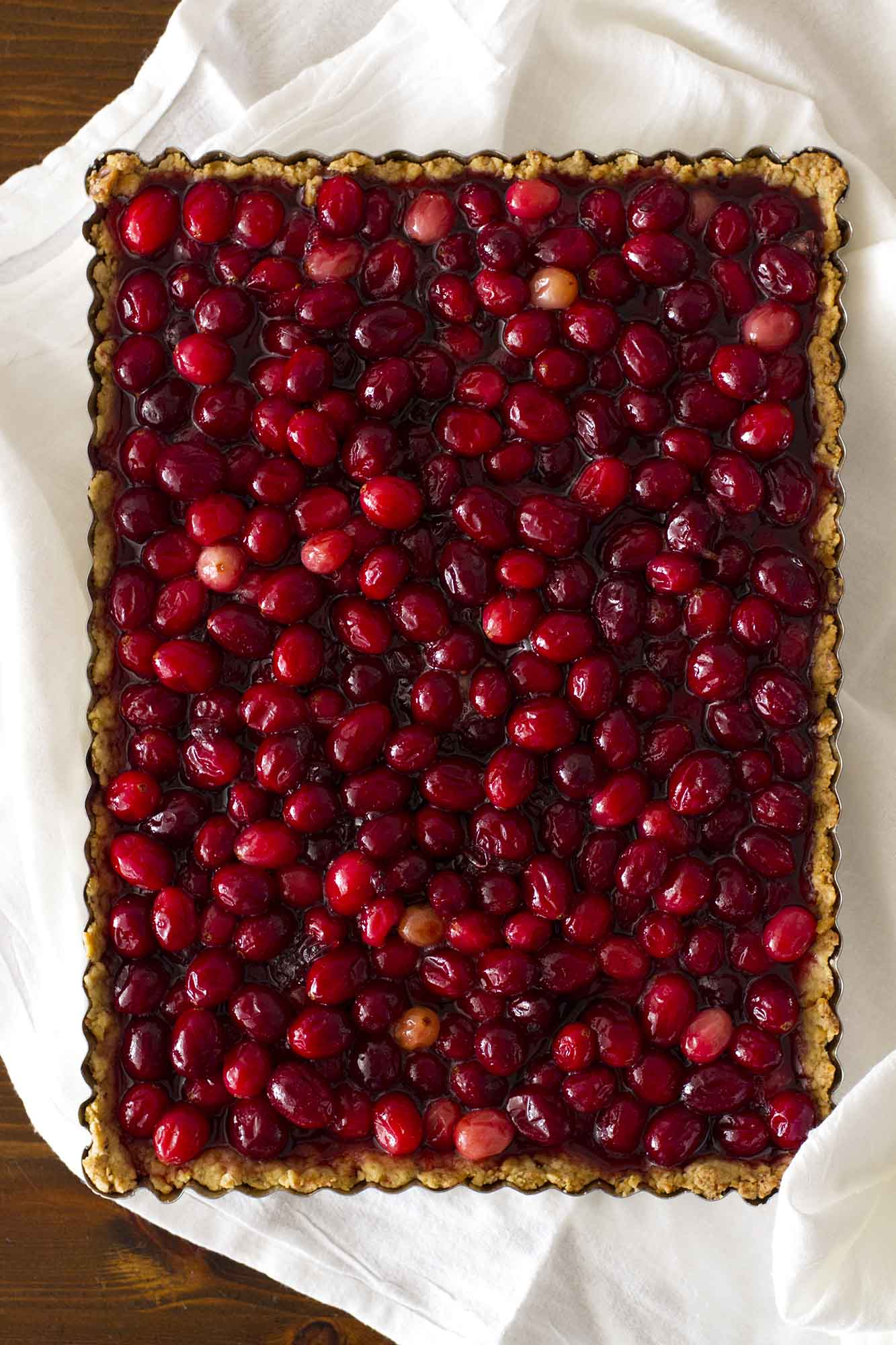 nut crusted cranberry tart