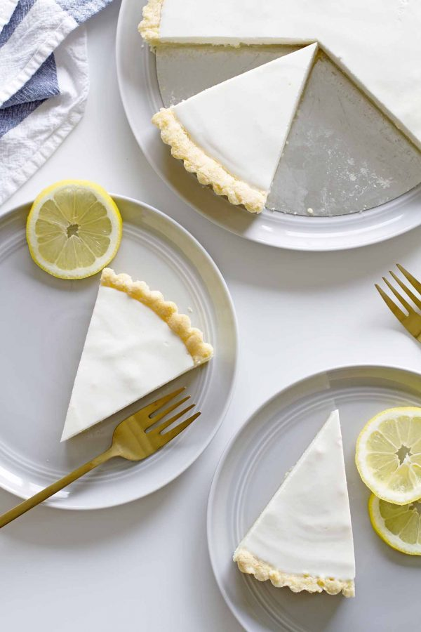 lemon buttermilk sugar cookie tarts on plates