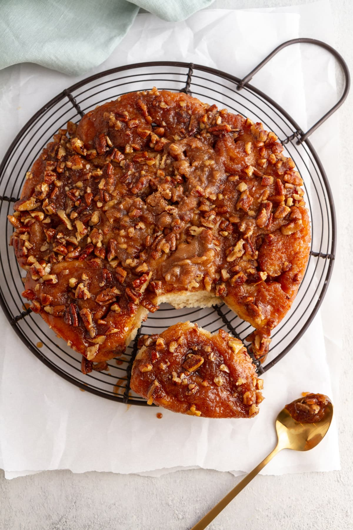 Overnight Caramel Pecan Sticky Buns -- This fresh, fluffy, gooey, easy sticky buns recipe can be made ahead or right away: whenever you need a sweet breakfast treat! @girlversusdough #girlversusdough #breakfastrecipe #sweetrolls #caramelrolls
